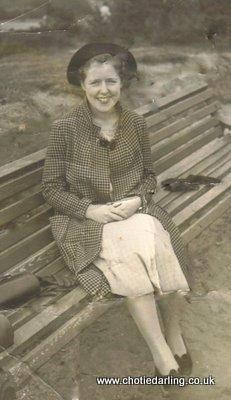 Margaret 1937, Chotie's sister, Chotie Darling weblog